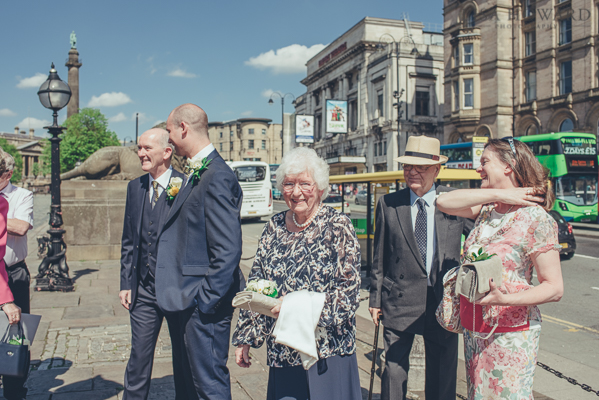 Wedding photographer at St.George's Hall in Liverpool